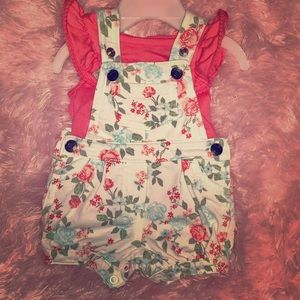 Precious flutter sleeve tank with floral overalls